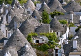 Trulli's bijzonder gebouwde huisjes.