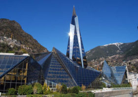 Caldea thermal spa in Andorra is genieten op hoogte.