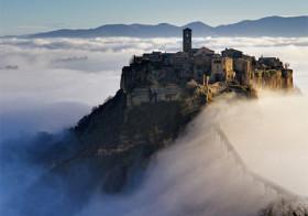 Civita di Bagnoregio een stervende stad.