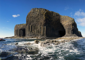 Fingal's Cave in Schotland