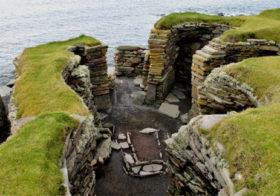 Jarlshof een archeologische opgraving op Shetland.
