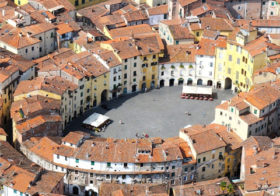 Lucca heeft een bijzonder plein