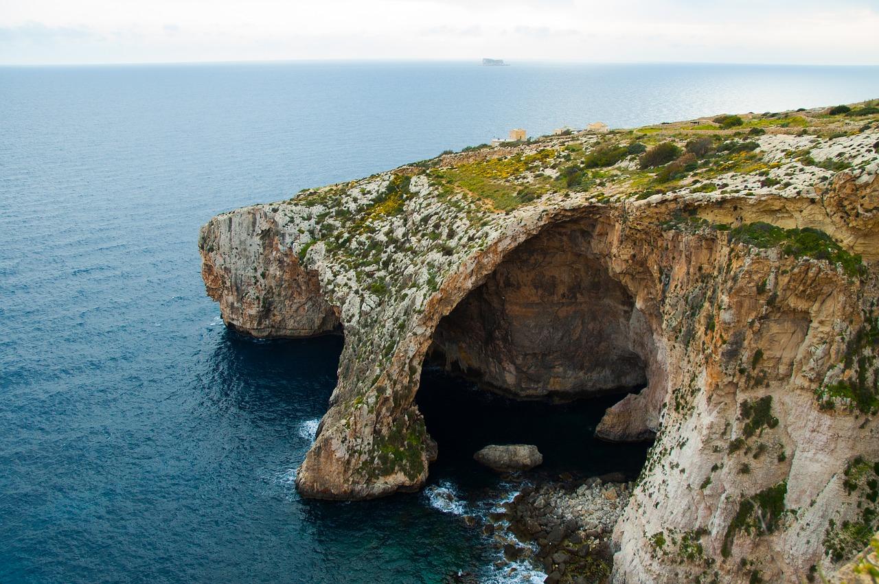 malta grotten