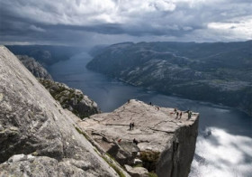 Preikestolen Cliff in Noorwegen