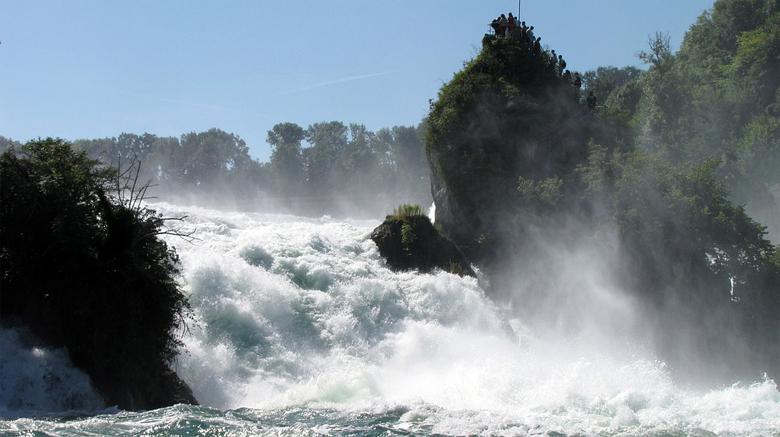 Watervallen Van Schaffhausen.Schaffhausen Een Rijnwaterval Vakantieroute