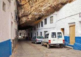 Setenil de las Bodegas een rotsdorp